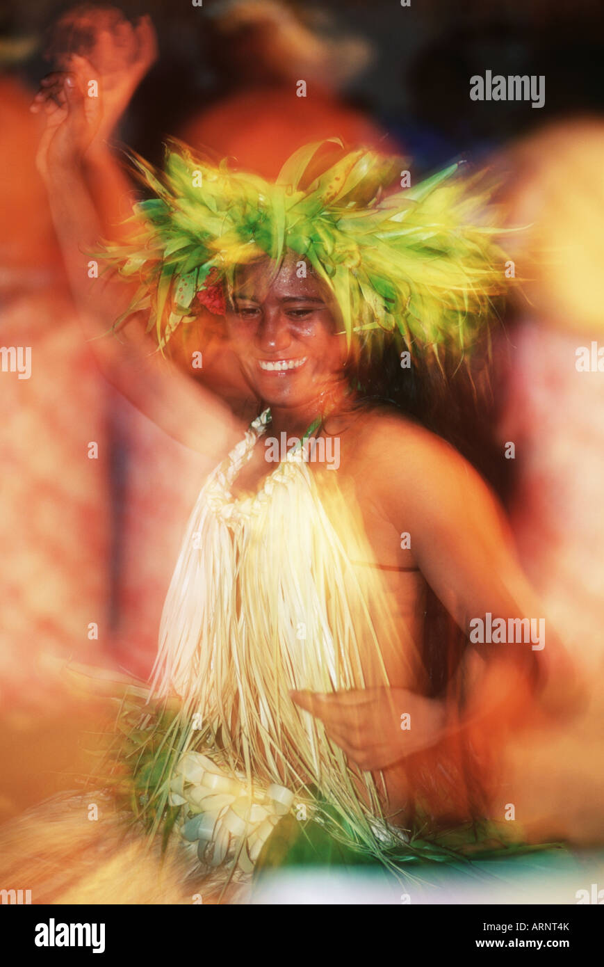 Cook Islands, South Pacific, Raratonga, local dancer in traditional outfit on beach - Stock Image