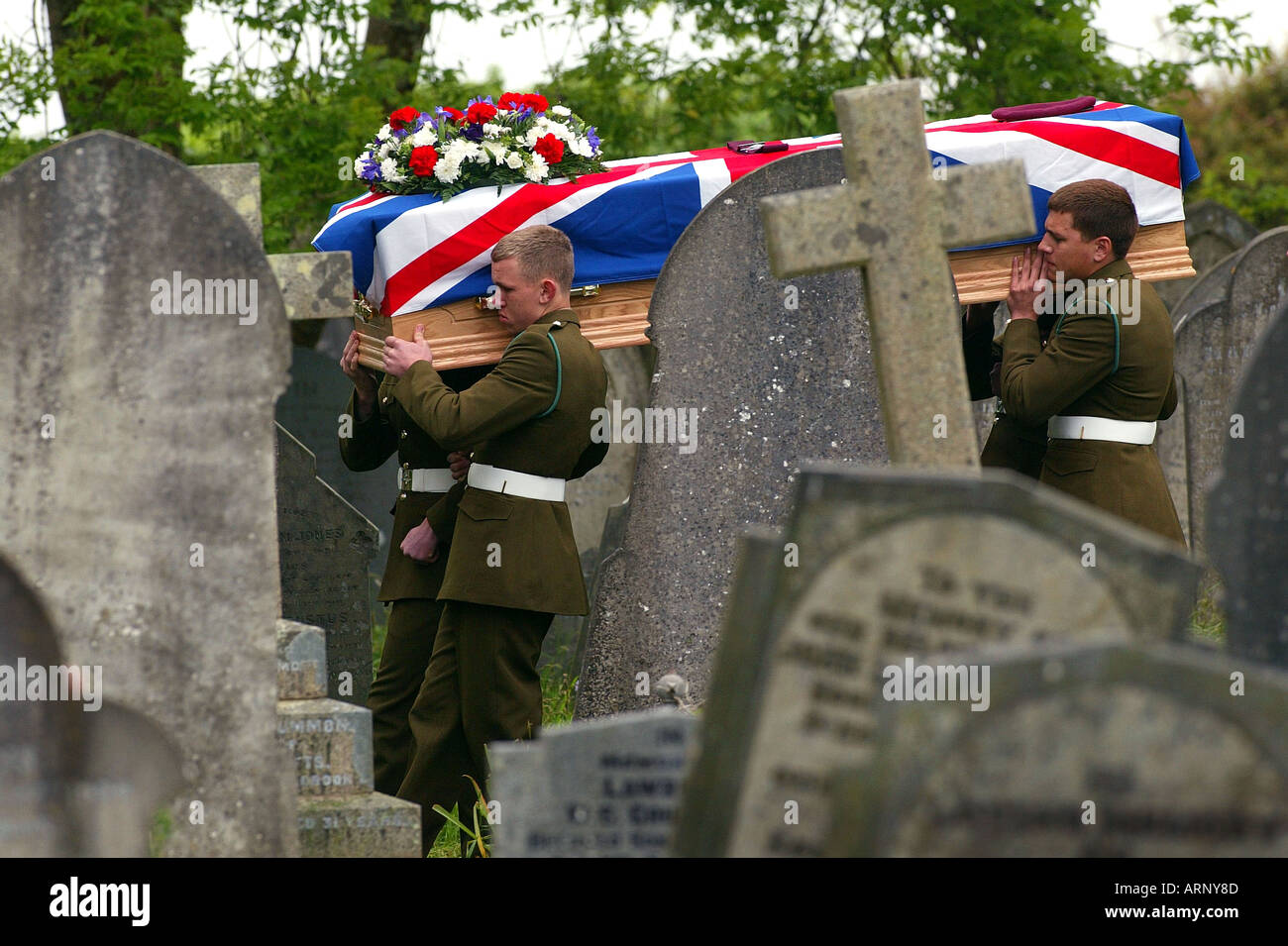 Funeral of Pte. Andrew Kelly (Parachute Regt.) taking place at Maker in Cornwall. He was one of the youngest killed in Iraq. - Stock Image