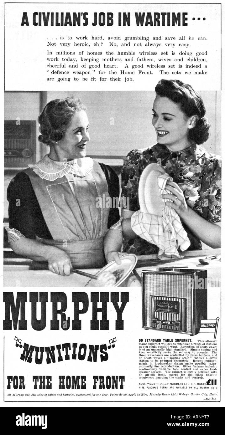 Murphy Wartime Radio 1940 advert for the English wireless helps the housework go quicker - Stock Image