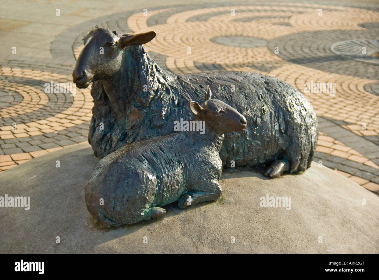 Sculpture of sheep ewe and lamb on display in public space in Calne Wiltshire England Uk EU - Stock Image