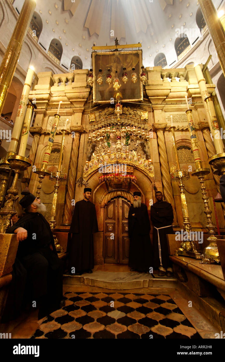Israel Jerusalem Old City the Edicule at the center of the Rotunda in the Church of the Holy Sepulchre - Stock Image