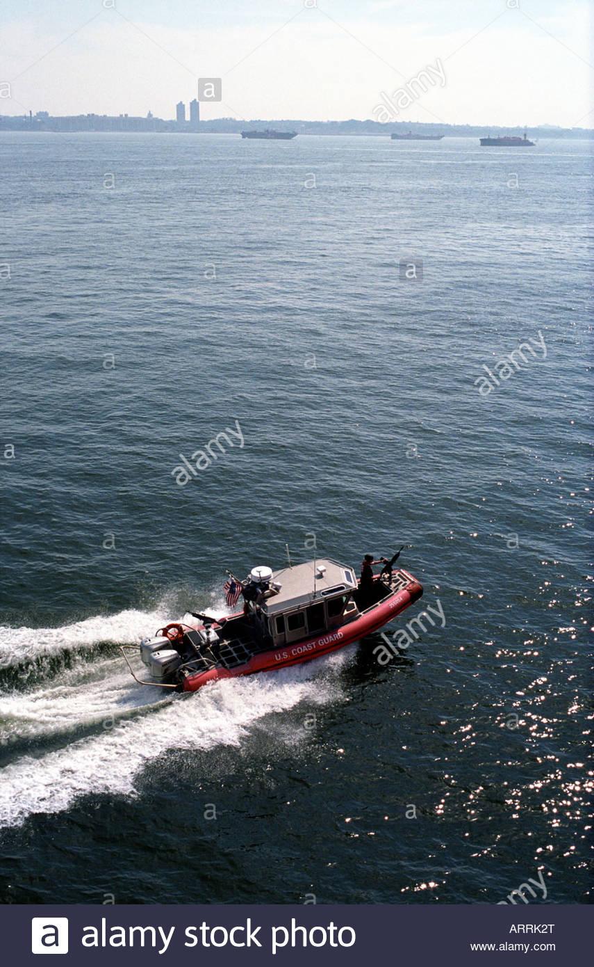 US Coast Guard Gun Boat at sea in New York September 2007 - Stock Image