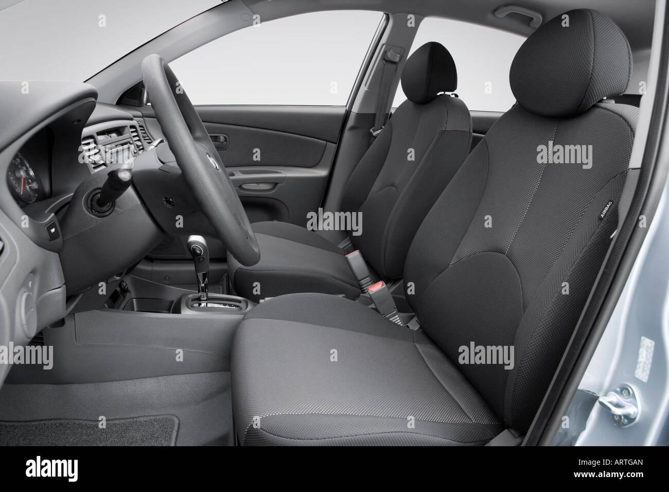 2008 Kia Rio 5 Lx In Silver Front Seats Stock Photo Alamy