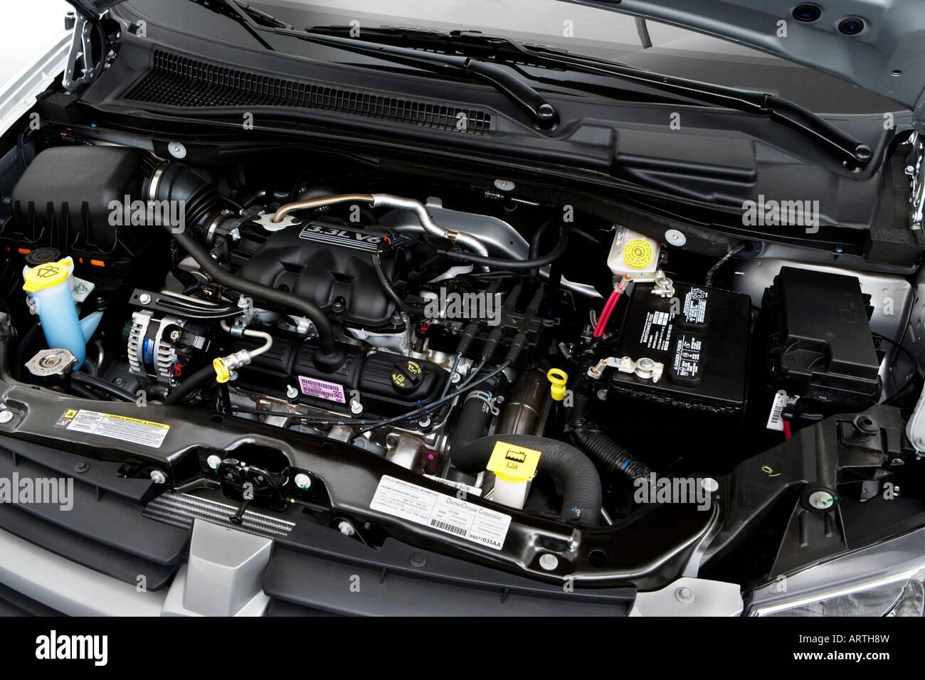 2008 Dodge Grand Caravan Se In Silver Engine Stock Photo Alamy