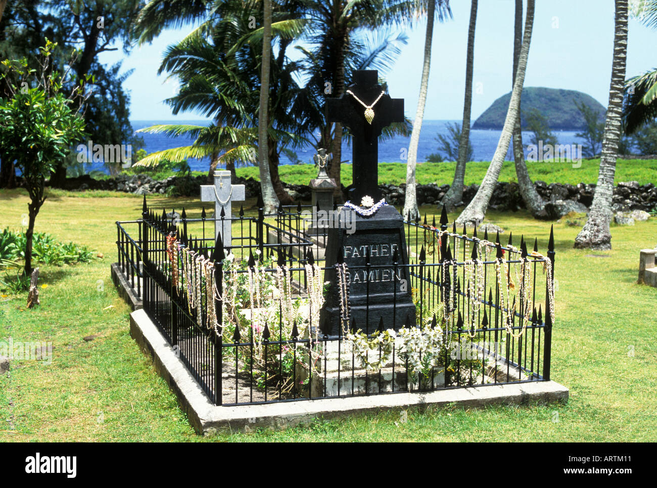 Father Damian s Grave Kalawao Molokai Hawaii - Stock Image