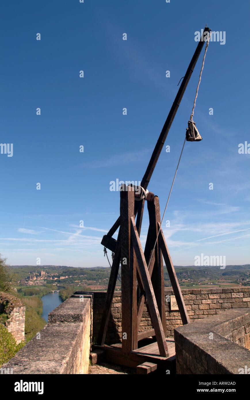 Trebuchet medieval catapult Castelnaud castle Dordogne France Stock Photo
