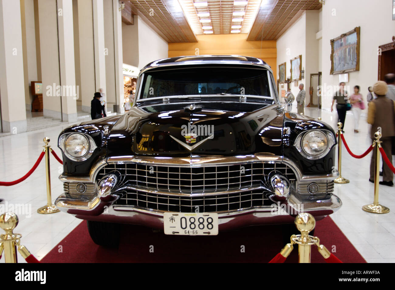 Bullet Proof Stock Photos Images Alamy Murdered Out 1955 Cadillac Late President Chiang Kai Sheks With Glass Shek Memorial Hall