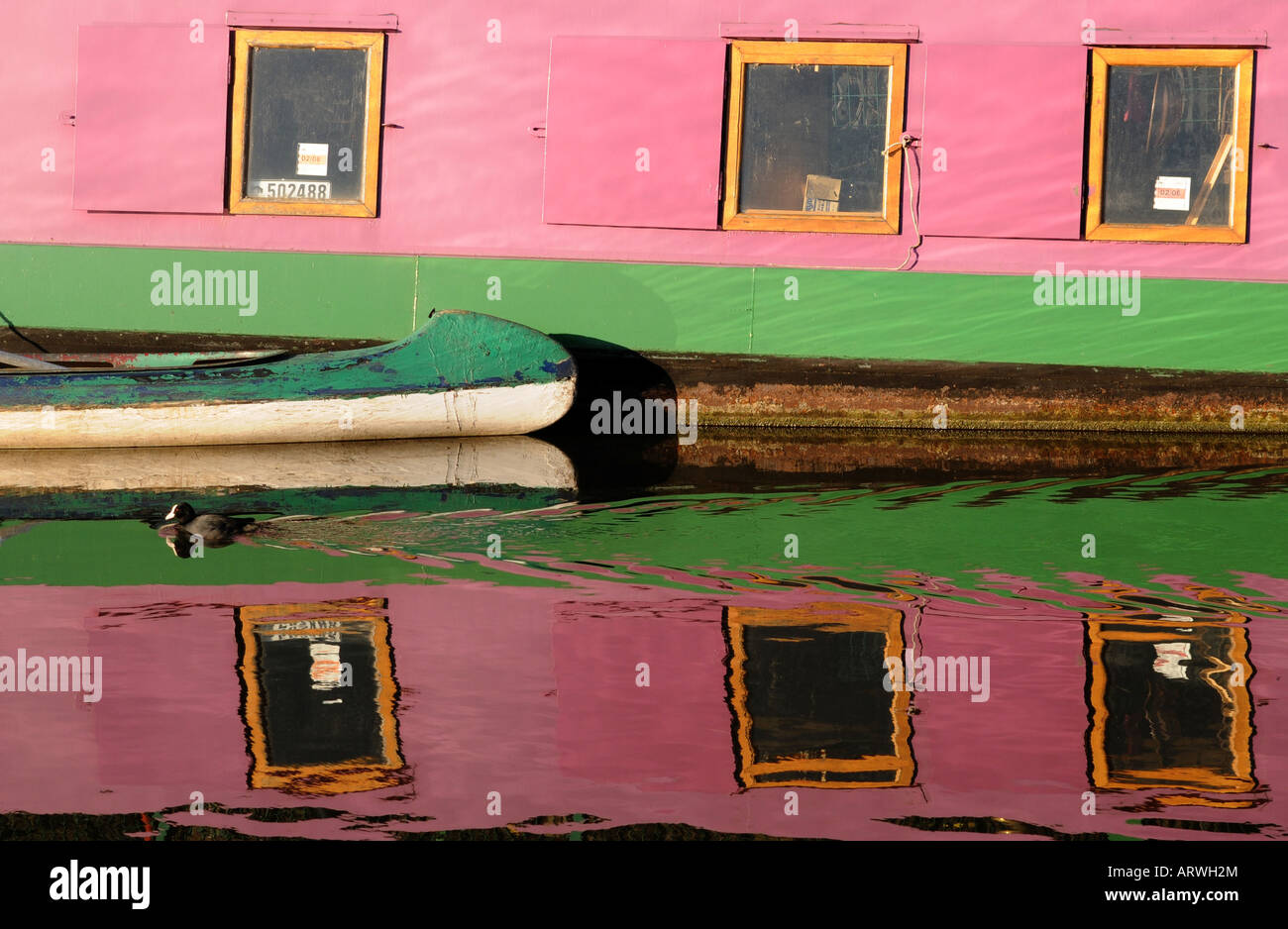 clear day in february on the Grand Union Canal near Ladbroke Grove Stock Photo