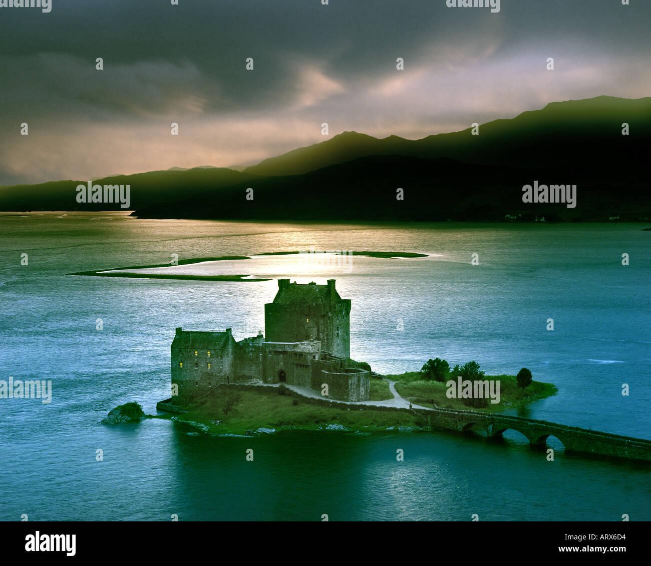 GB - SCOTLAND: Eilean Donan Castle Loch Duich in the Highlands Stock Photo