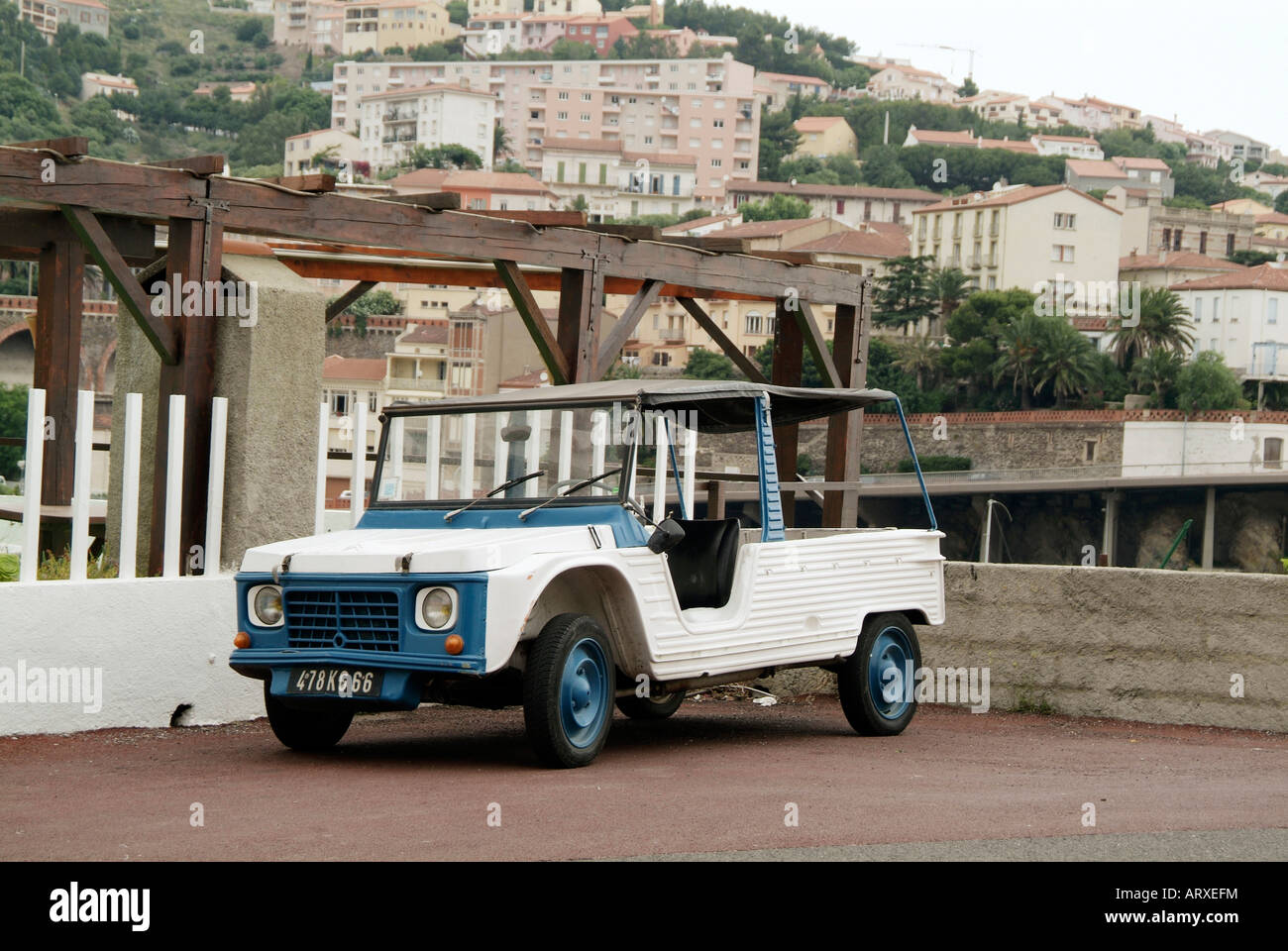 2cv jeep version variant citroen french france car - Stock Image