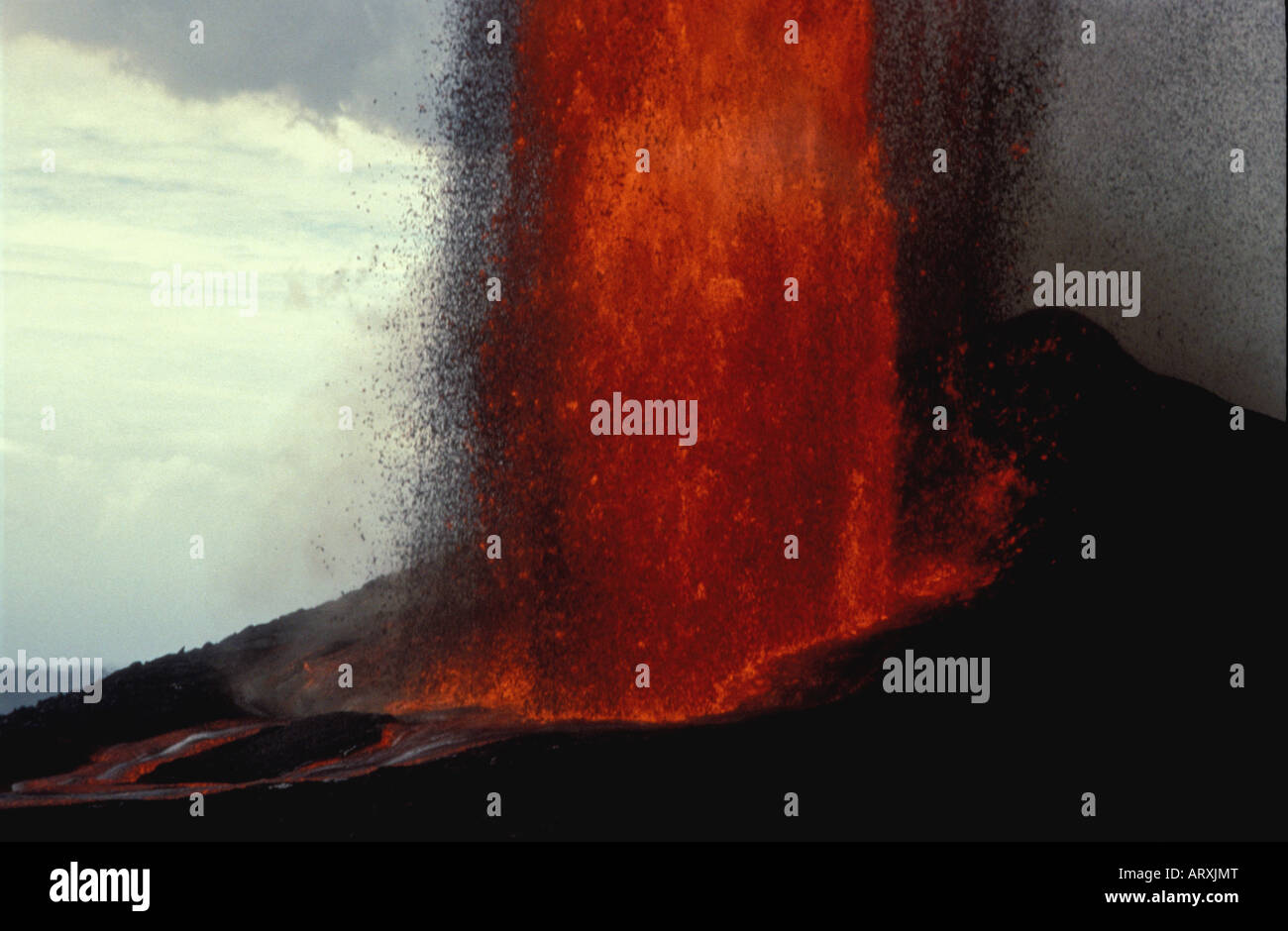 Fountaining eruption at Puu Oo vent, Big Island - Stock Image