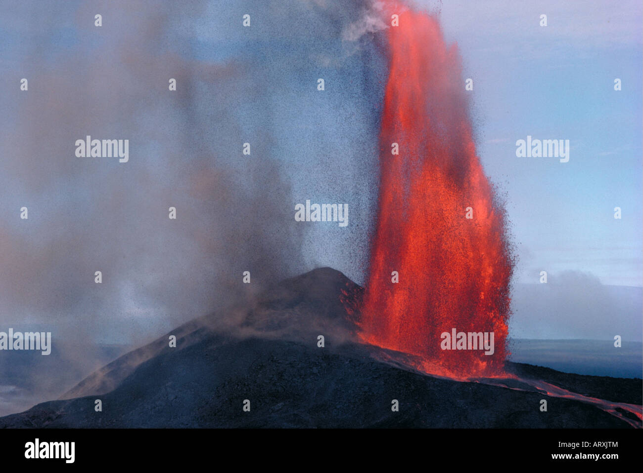 Kilauea volcano with fountaining eruption, Big Island of Hawaii - Stock Image