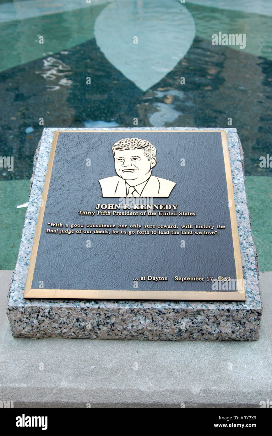 Memorial and dedication plaque to JFK in downtown Dayton City Ohio - Stock Image