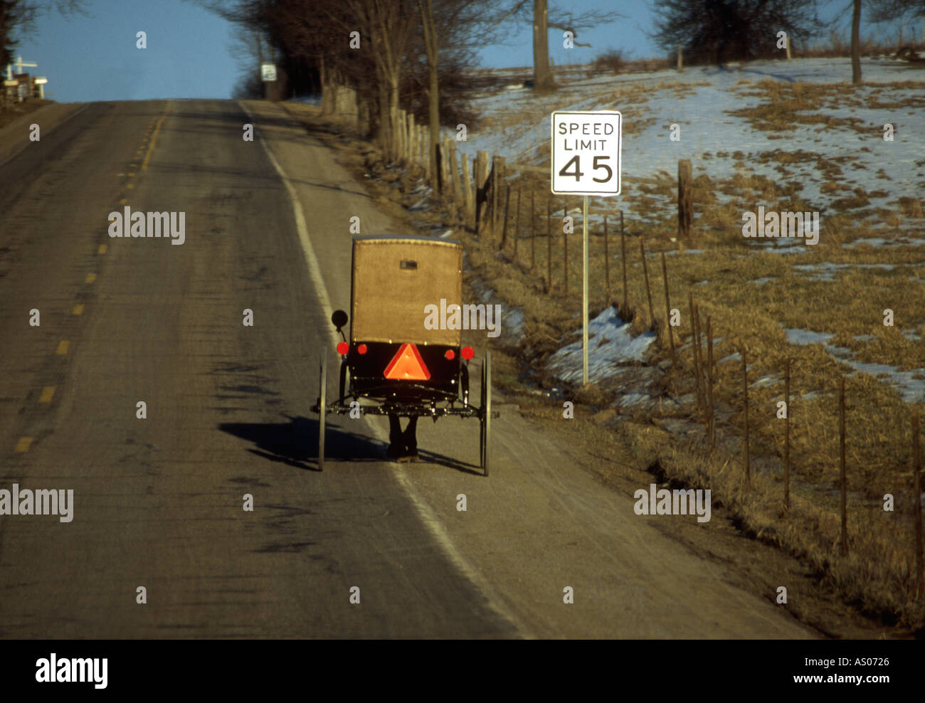 Amish Buggy Snow Stock Photos Amp Amish Buggy Snow Stock
