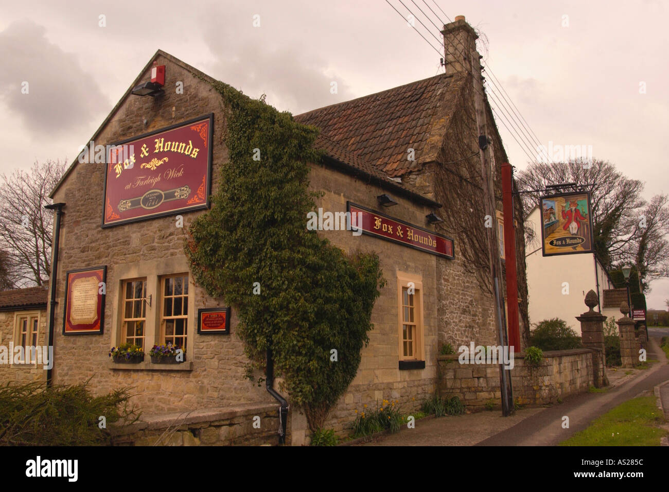 Fox and Hounds pub has been licensed since 1741 at Fairleigh Wick Wiltshire England UK Stock Photo