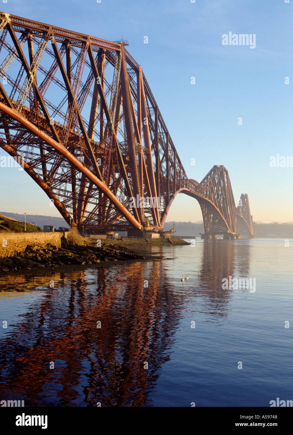 dh Forth Railway Bridge FORTH BRIDGE FORTH BRIDGE Victorian Cantilever Firth of Forth river scotland rail bridges Stock Photo