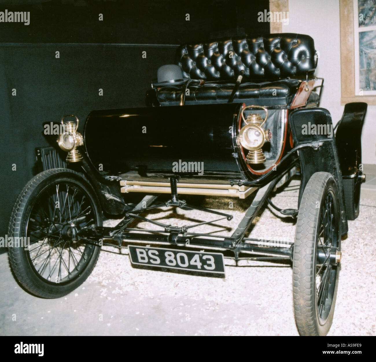 1903 Oldsmobile curved dash car Ransome E Olds World s first Mass ...