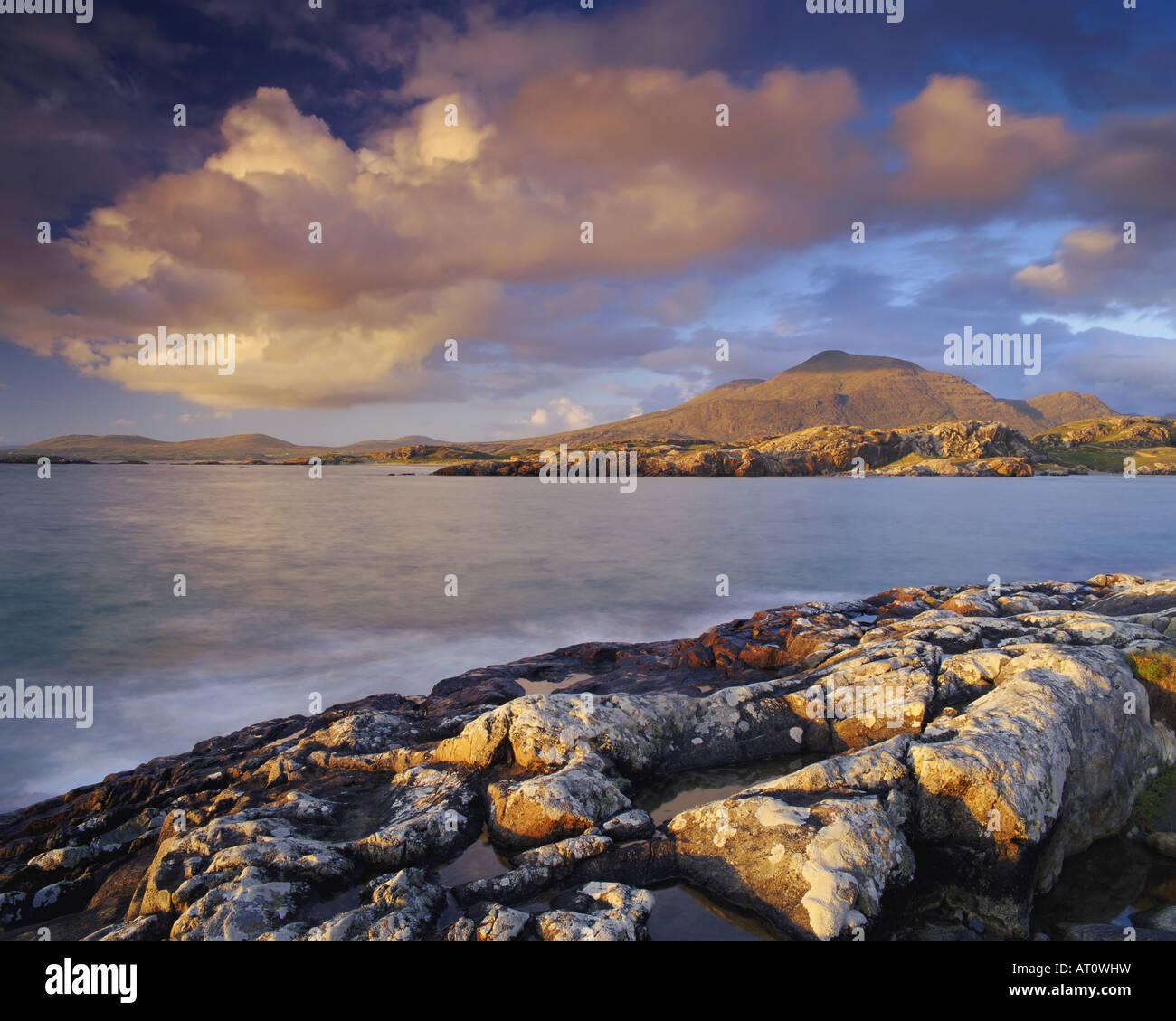 IE - CONNEMARA: Coastline at Lettergesh - Stock Image