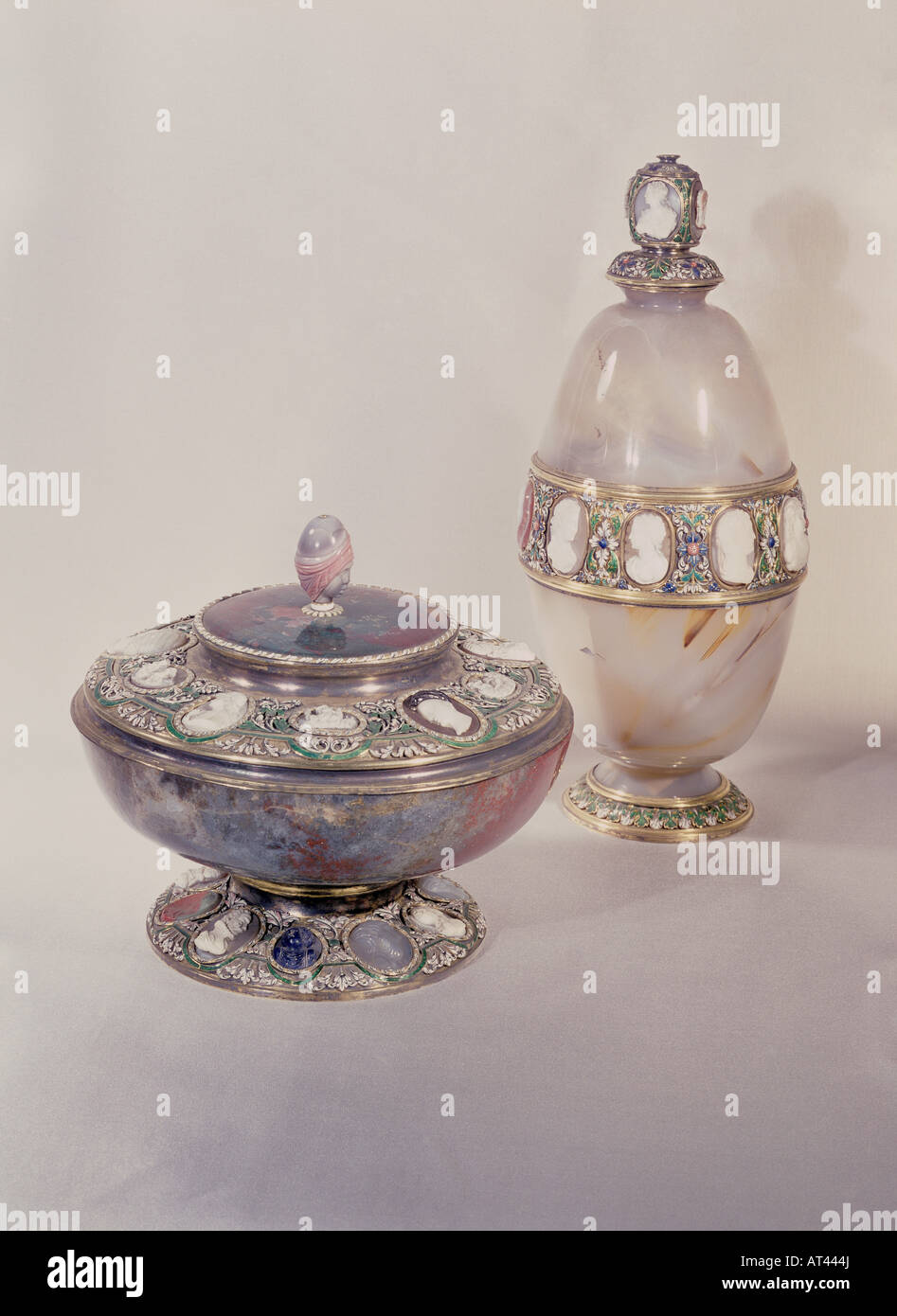 fine arts, centre piece, covered cup, bowl, silver, gilded, cameos, 16th century / 17th century, jasper, chalcedony, - Stock Image