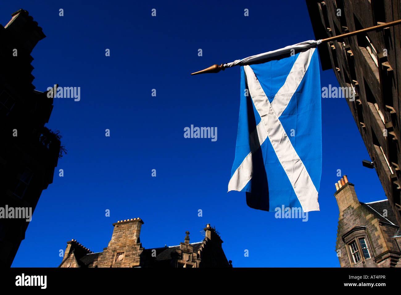 Sottish flag in the Royal Mile, Edinburgh, Scotland - Stock Image