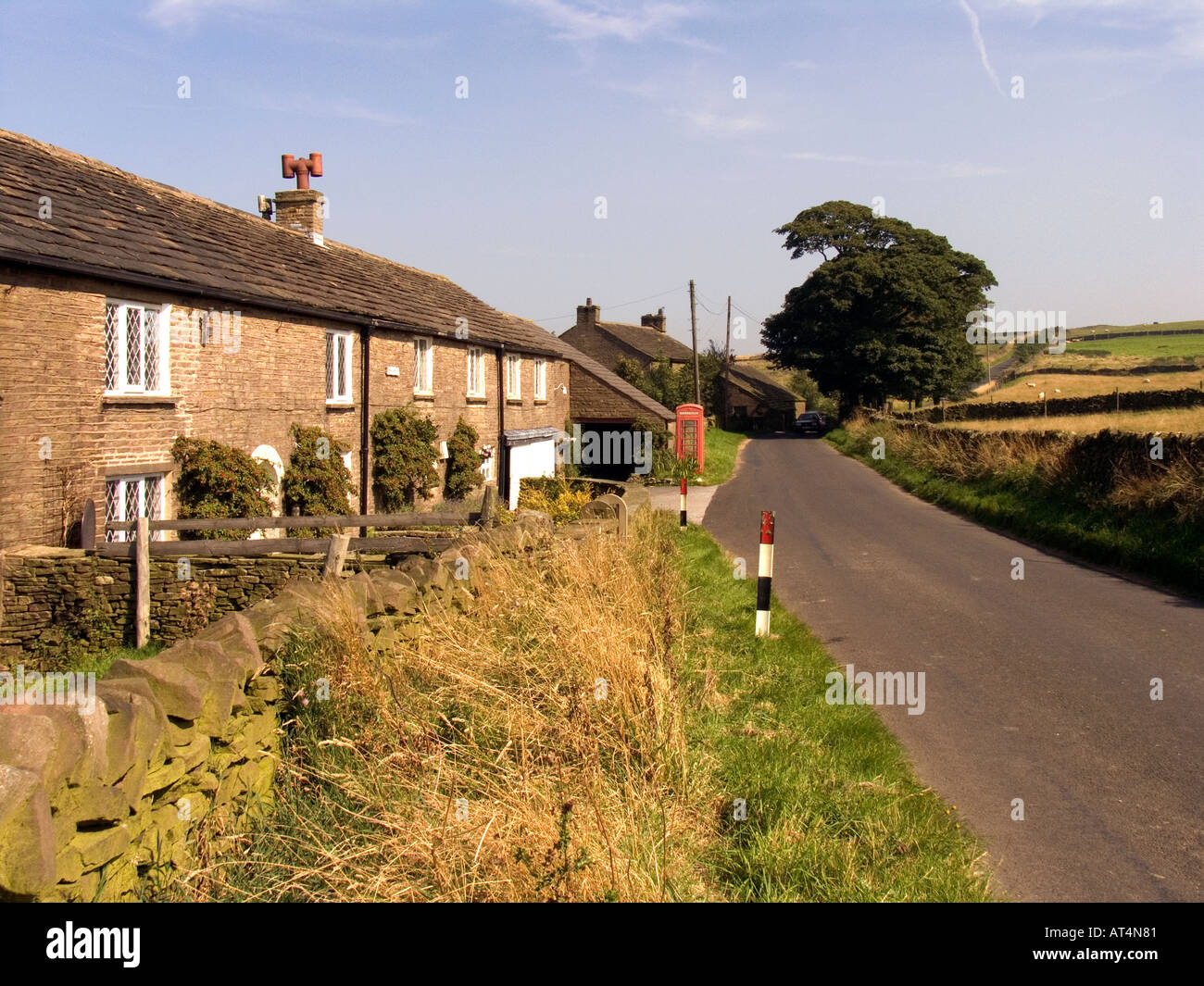 Cheshire Peak District Pikelow K6 phone box at Blue Boar Farm - Stock Image