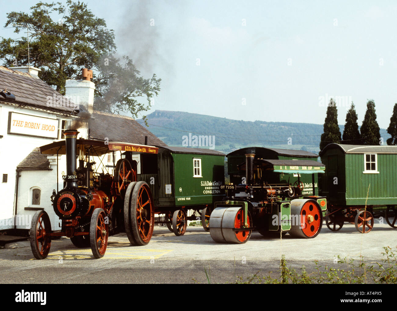 UK Cheshire Congleton Traction Engine Steam roller outside Robin Hood pub - Stock Image