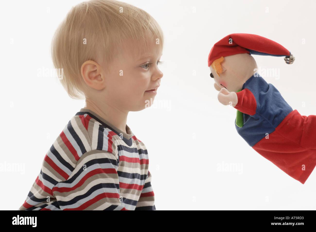 Kasperl und Kind zusammen - Stock Image