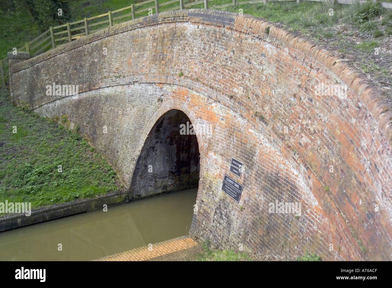 stoke bruerne canal village grand union canal northamptonshire midlands england blisworth tunnel - Stock Image