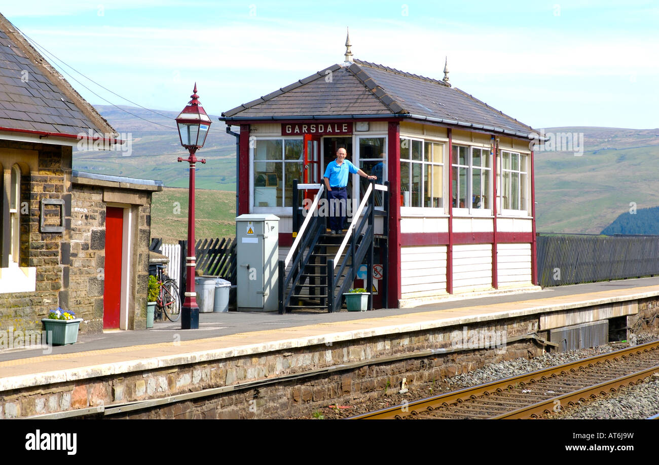Signal-box (and signal master) at Garsdale station on the famous Settle-Carlisle railway line, Yorkshire Dales National - Stock Image