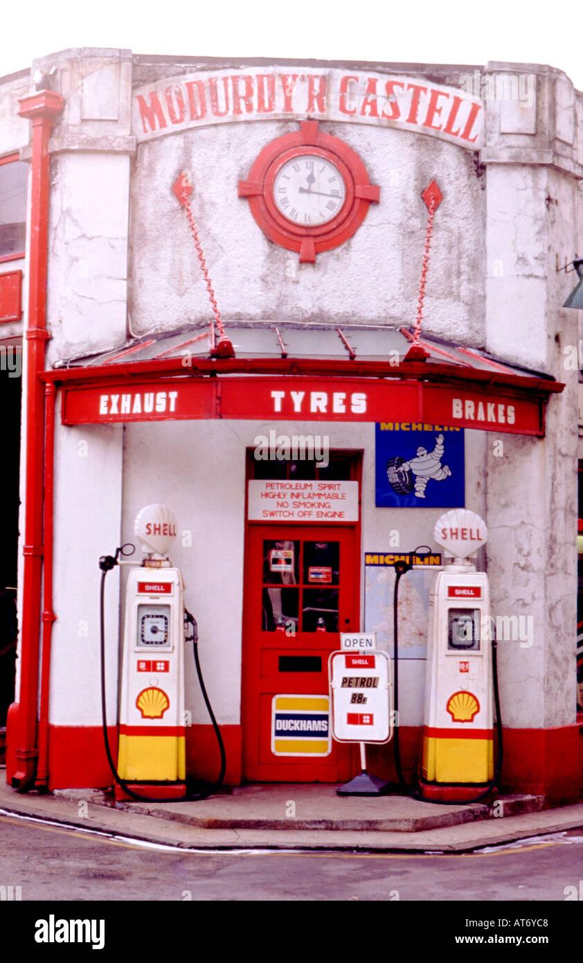Vintage petrol pumps pump not in use outside Modurdy r Castell Shell petrol  station in North Wales UK KATHY DEWITT 3d9b35b363192