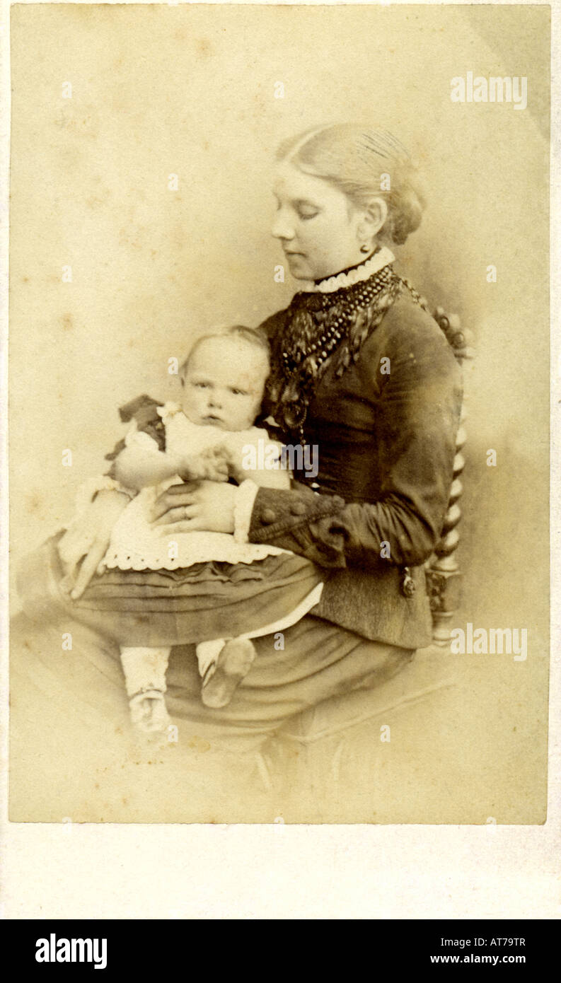 Victorian Carte De Visite Photograph Of A Young Woman With