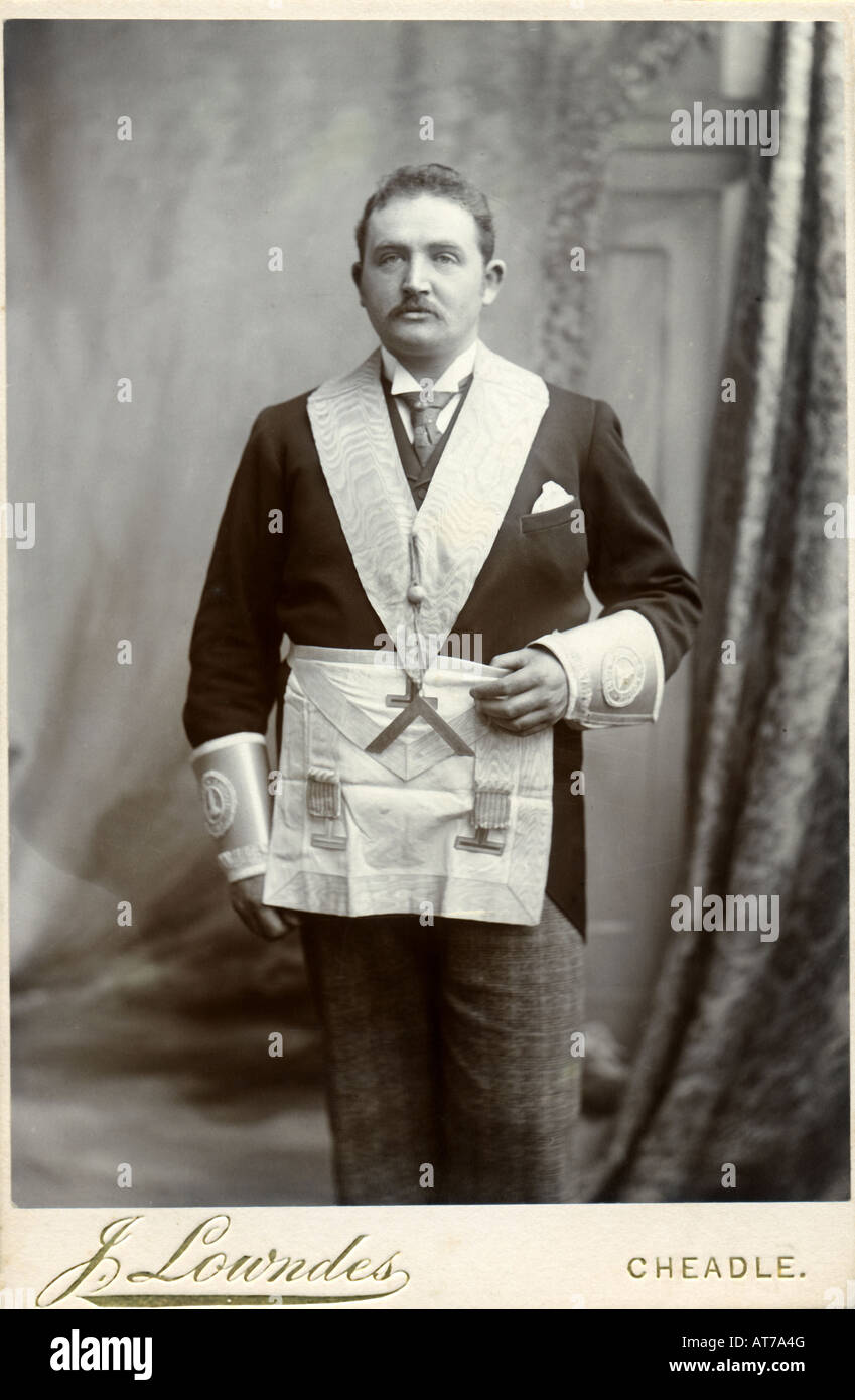 Victorian 1890s Cabinet Card photograph of a Freemason by J Lowndes of Cheadle Stoke-on-Trent Staffordshire - Stock Image