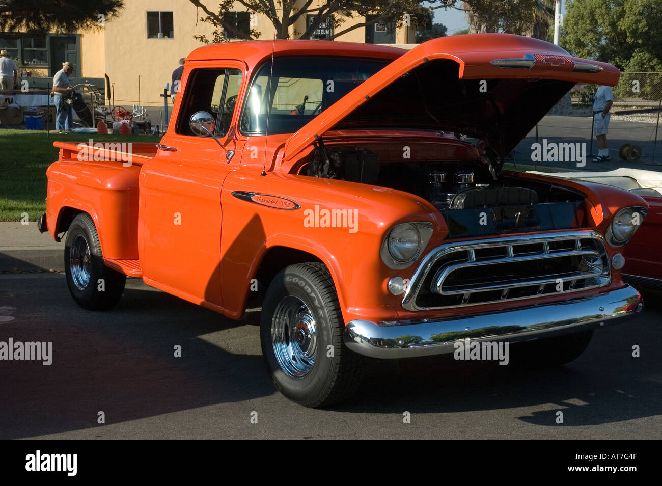 1957 Chevy Truck Stock Photos Images Alamy Stepside Pickup Los Angeles California Car Show Antique Customized 57 Chevrolet 3100