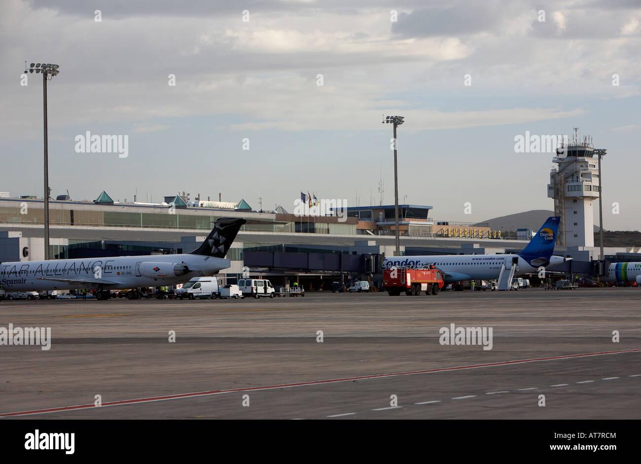 Aeroporto Tenerife Sud : Aeropuerto tenerife sur stock photos & aeropuerto tenerife sur stock