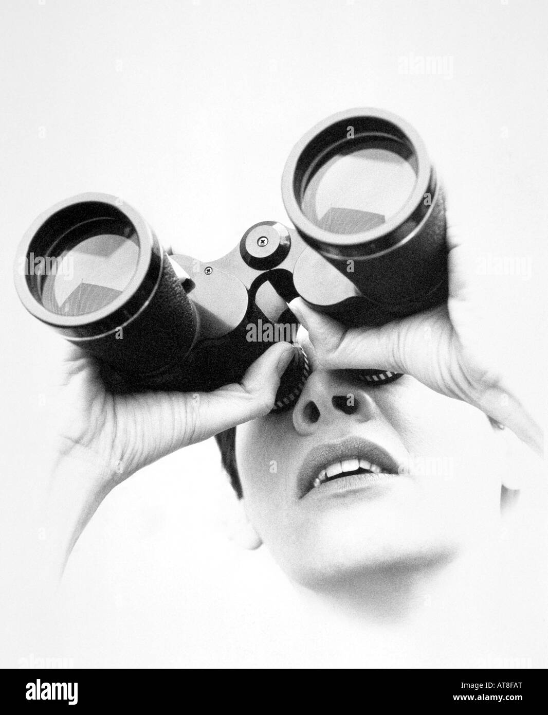 Using Binoculars Black And White Stock Photos Amp Images Alamy
