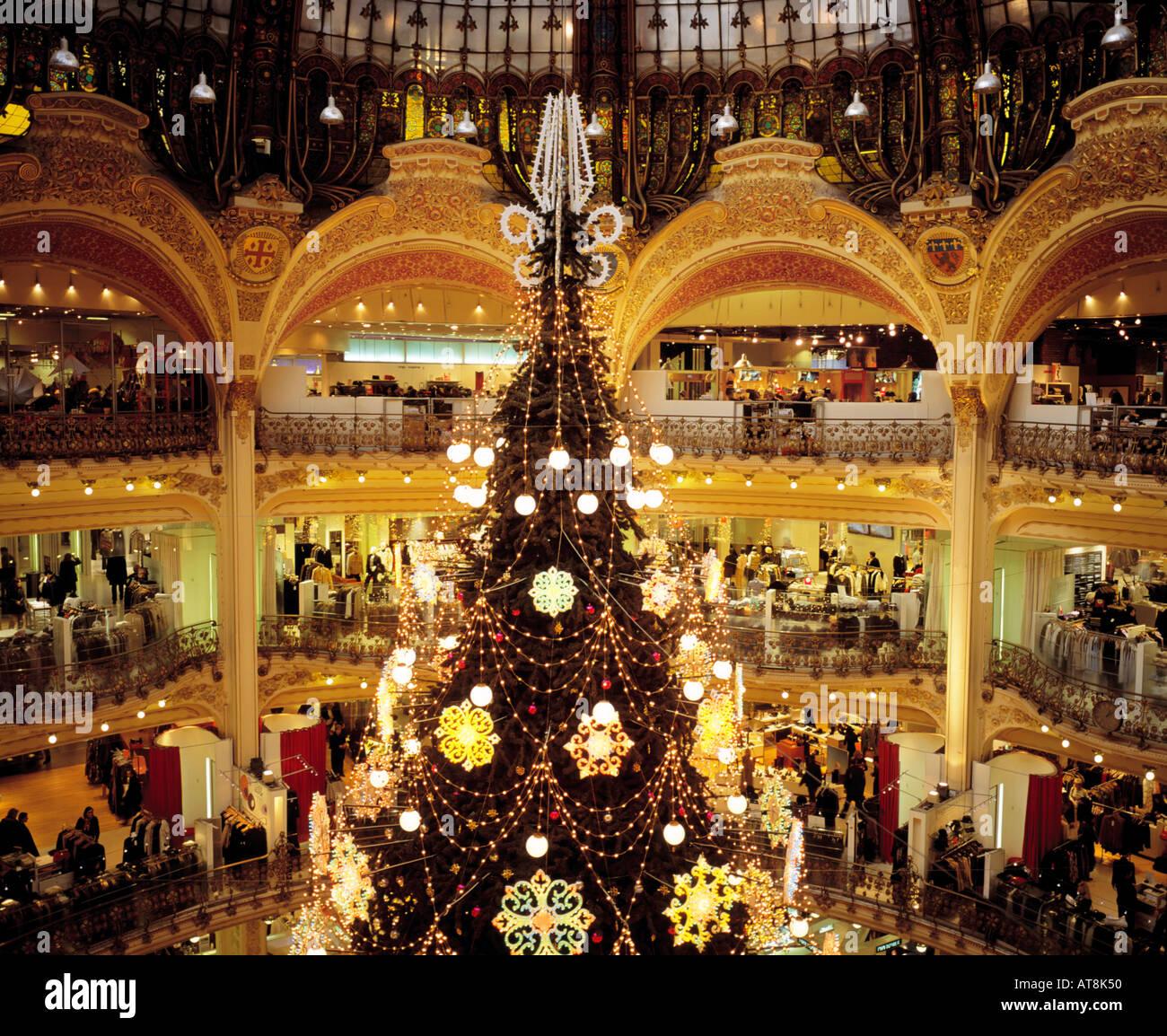 Paris Christmas Decorations: FRANCE PARIS GALERIES LAFAYETTE GIANT CHRISTMAS TREE