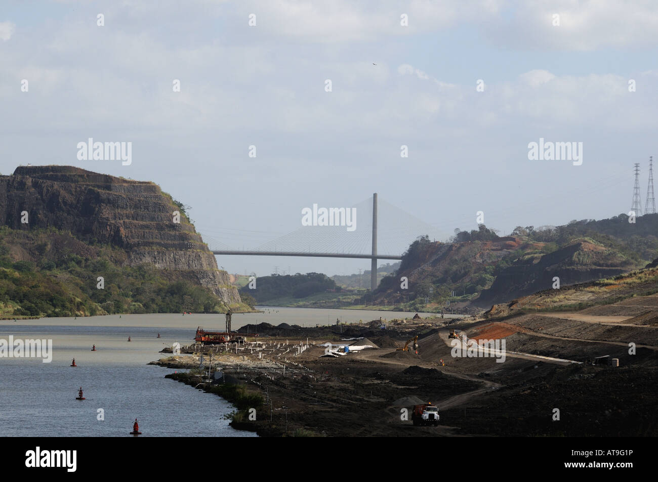 The Galliard Cut of the Panama Canal with Gold Hill on the left and Contractors Hill on the right. - Stock Image