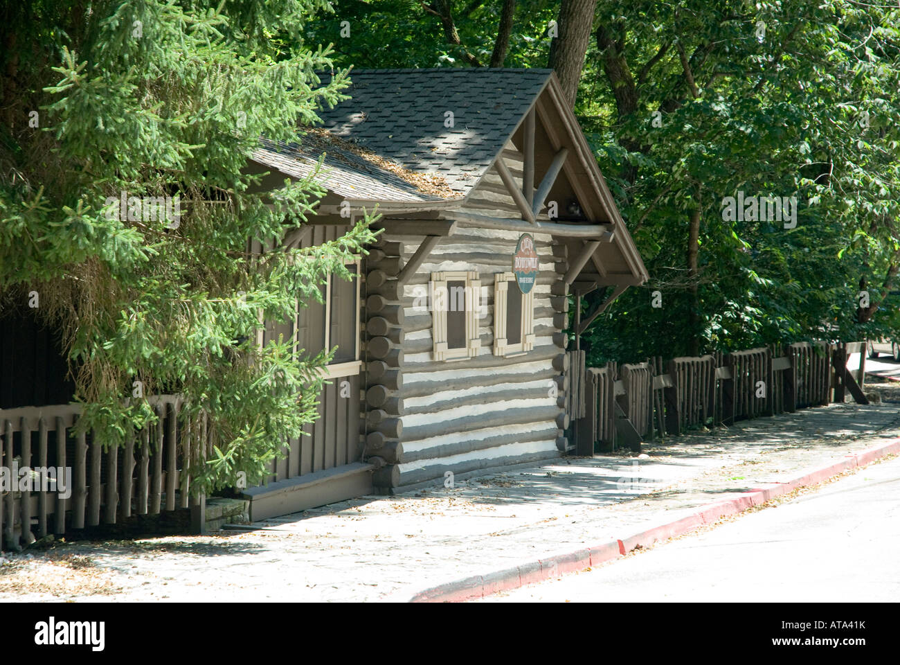 private mountains peaceful the cabins ha property and overlooking cabin ozark secluded