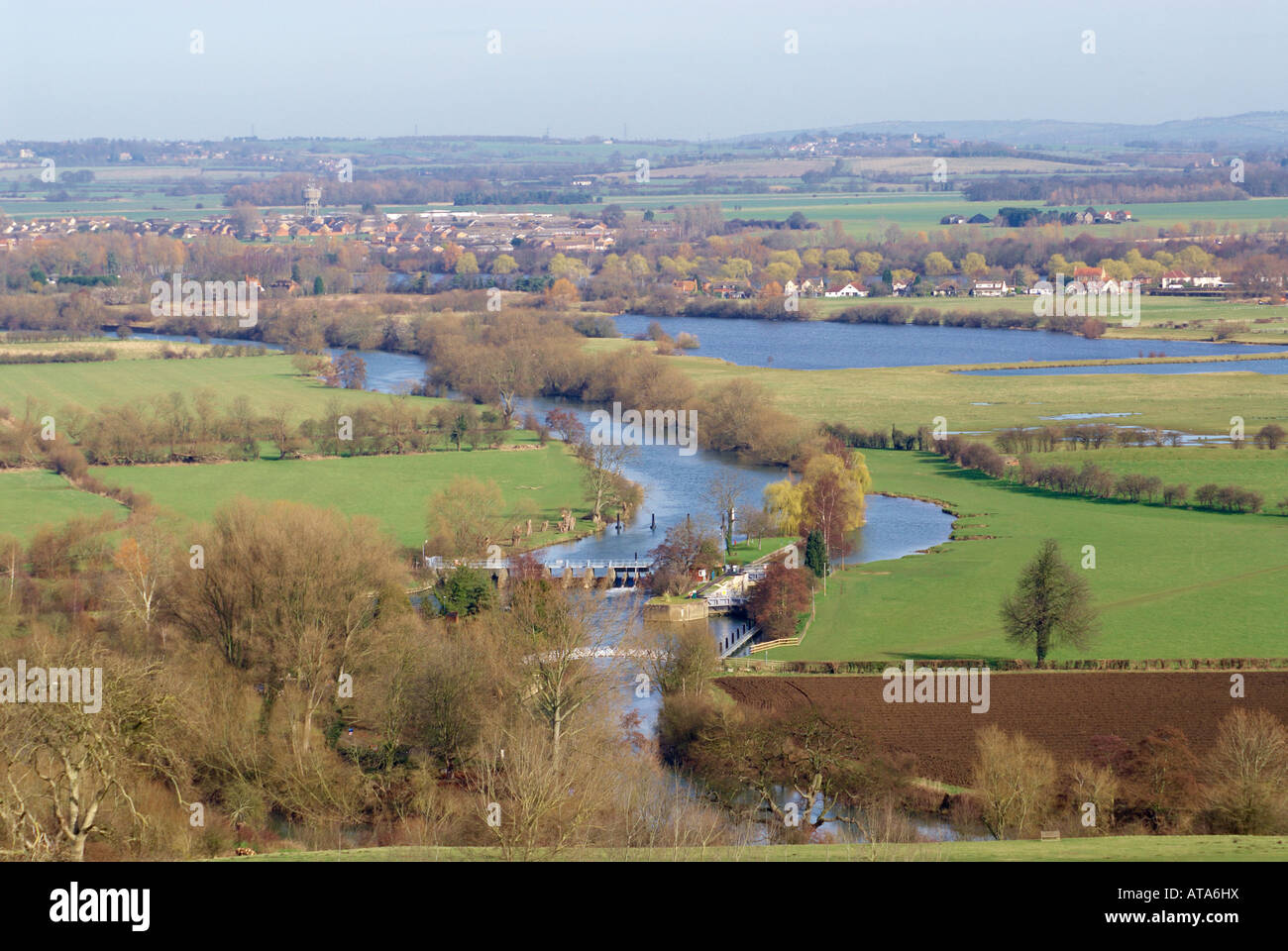 The River Thames near Dorchester-on Thames, with Day's Lock in the foreground and the village of Berinsfield - Stock Image