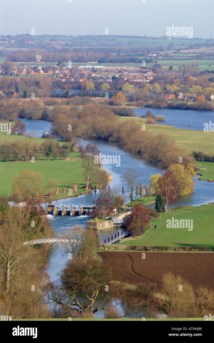 The River Thames near Dorchester-on Thames, with Day's Lock in the foreground and the village of Berinsfield in Stock Photo