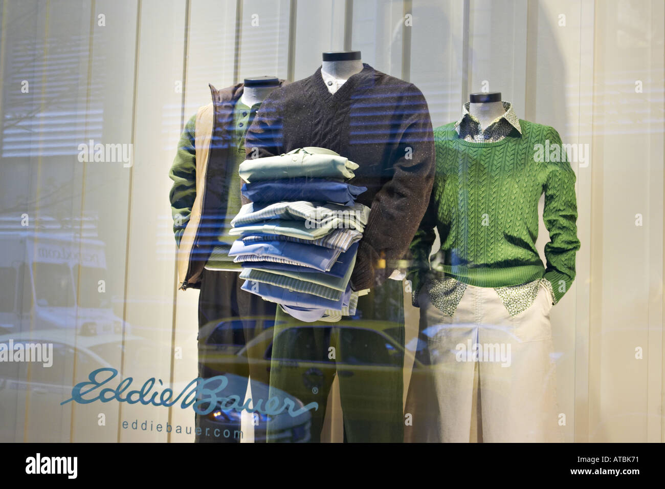 street scene chicago illinois headless mannequins in eddie bauer stock photo alamy alamy