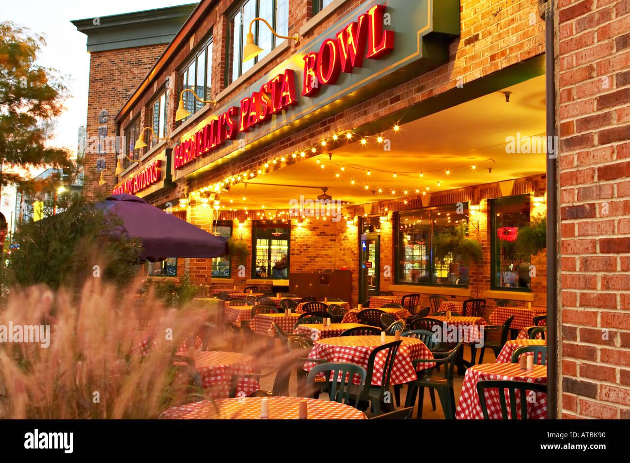 Street Scene Chicago Illinois Outdoor Seating Barnellis