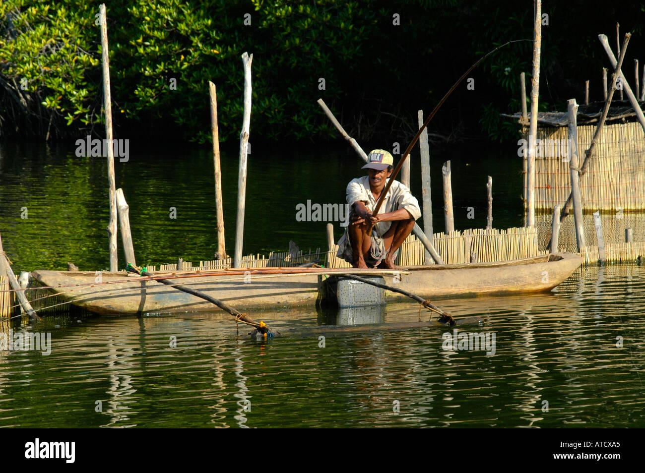 Sri Lanka fish fishing sea fishermen fishery man - Stock Image