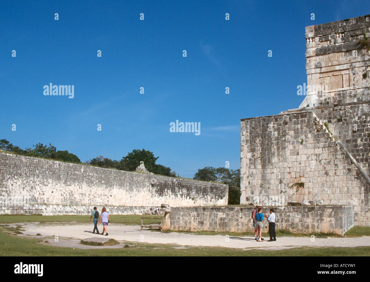 The Great Ball Court in the Mayan Ruins of Chichen Itza, Yucatan Peninsula, Mexico - Stock Image