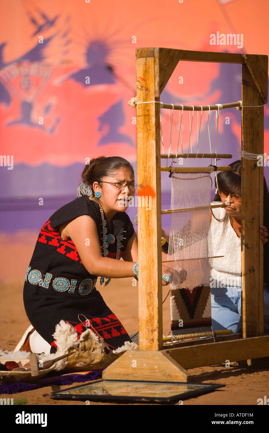 Navajo Woman Weaving Stock Photos Amp Navajo Woman Weaving