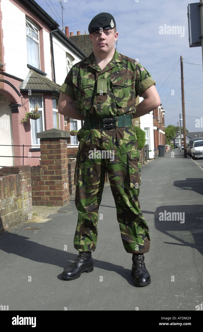 Soldier boy leaving home UK - Stock Image