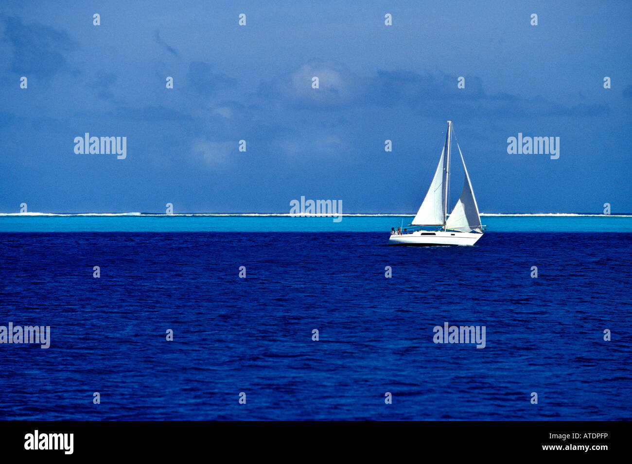 Sailing in the tropical Pacific Tuamotus French Polynesia Pacific Ocean - Stock Image