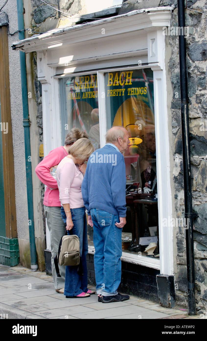 Antique Shop Uk Stock Photos & Antique Shop Uk Stock Images - Alamy