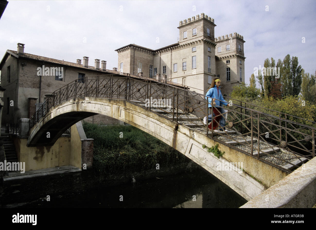 The oldest bridge on the Naviglio in the Milan province - Stock Image