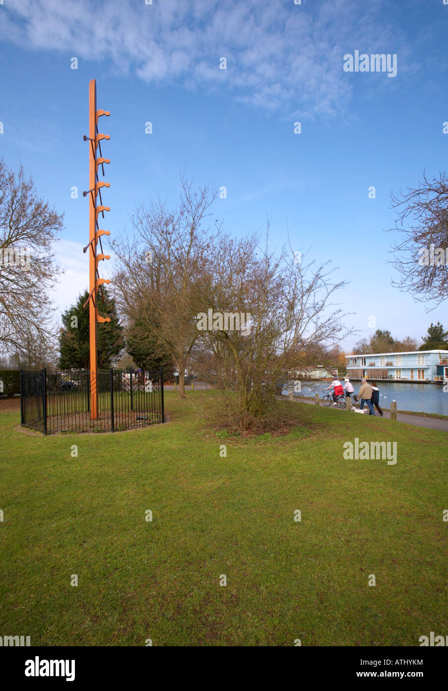 The Eights Tree rowing sculpture by Ray Smith on the River Thames next to Molesey Boat Club East Molesey Surrey - Stock Image